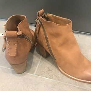 Dolce vita brown booties